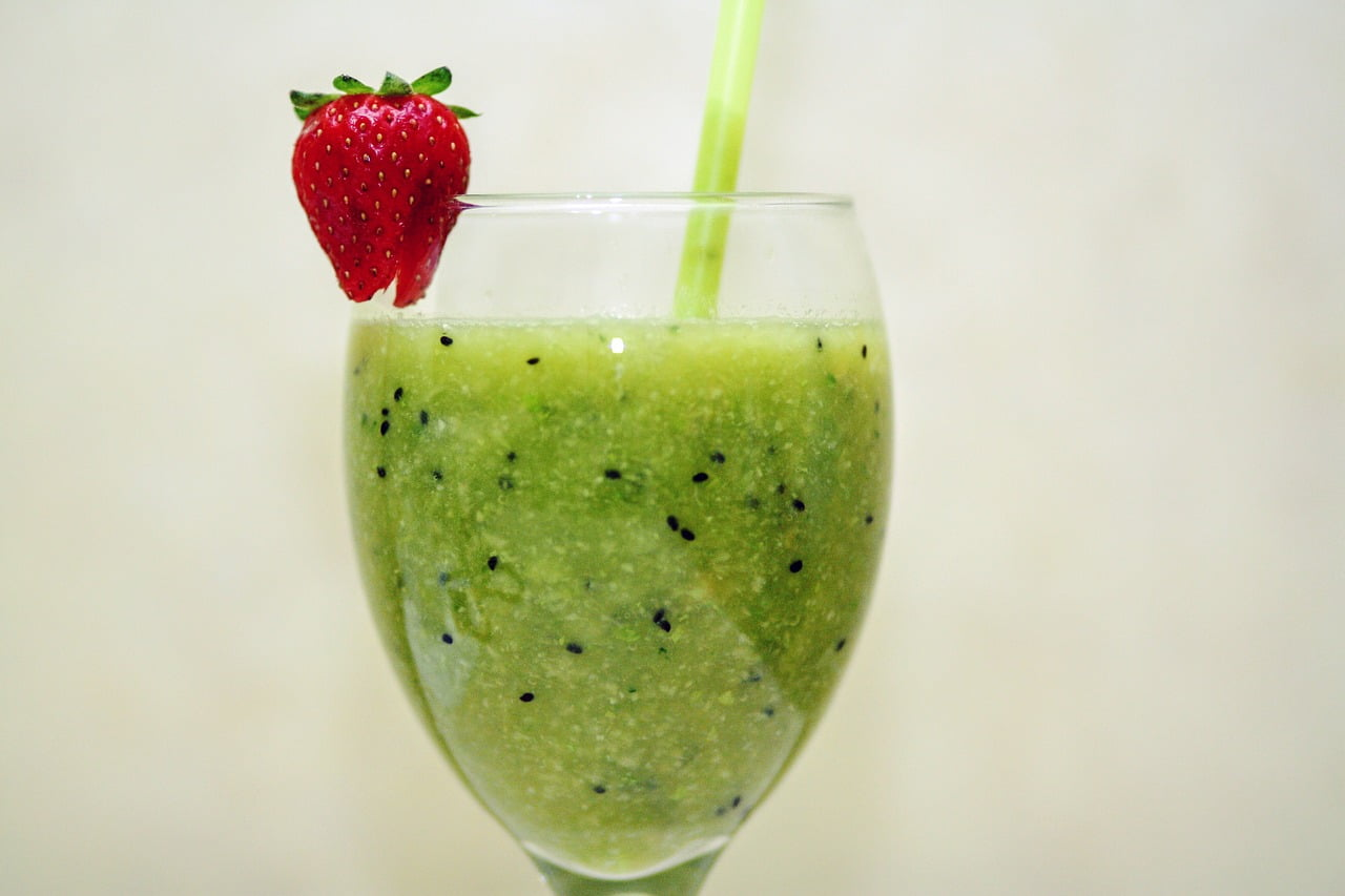 green healthy smoothies